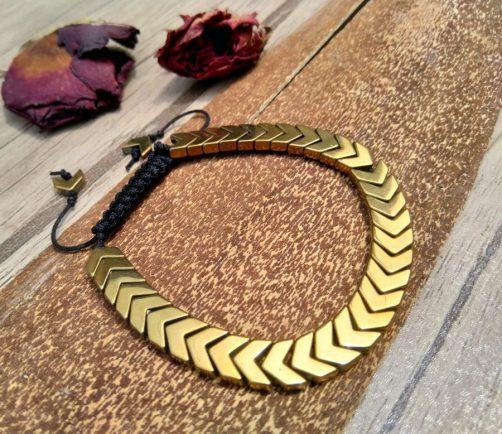 دستبند سنگ حدید طلایی